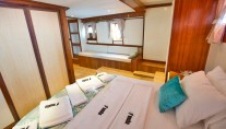 Sailing Gulet MASKE 2 - Guest suite with sofa view